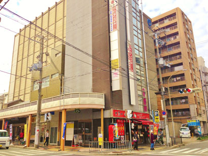 JR吹田駅前店